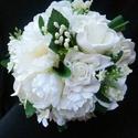 Fehér tulipános csokor, Esküvő, Esküvői csokor, Kora tavaszi esküvőre ideális lehet ez a csokor ,amely fehér habrózsából,fehér textil tulipánb ól,ap..., Meska