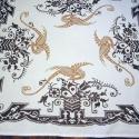 Pávás asztalterító, Otthon, lakberendezés, Lakástextil, Terítő, Keresztszemes hímzéssel dekorált asztalterítő, mérete 72x82 cm. A minta szinte a teljes felületet be..., Meska