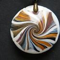 Remény medál, Ékszer, Medál, Ünnepi színekkel (arany, vörösréz, fehér és fekete) készítettem ezt a lencse alakú medált, átmérője ..., Meska