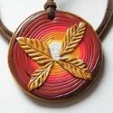 Évgyűrűk medál, Ékszer, Medál, Nyaklánc, Sokféle színű FIMO ékszergyurma keveredik ebben az évgyűrűkre emlékeztető medálban. Átmérője 5 cm, v..., Meska