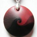 Hódítás medál , Ékszer, Medál, Nyaklánc, Piros és fekete FIMO ékszergyurmából és némi pigmentporból készült ez a lencsemedál. Egyszerűségében..., Meska