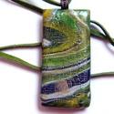 Zöld márvány antikolt medál, Ékszer, Medál, Nyaklánc, Zöld, fehér és fekete FIMO ékszergyurmából készült medál, amit kisütés után antikoltam. Mérete: 2,5 ..., Meska