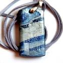 Kék márvány antikolt medál, Ékszer, Medál, Nyaklánc, Fehér, kél és fekete FIMO ékszergyurmából készítettem ezt a 2,5 x 5 cm-es medált, amit kisütés után ..., Meska