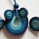 Kék harmónia ékszerszett quillingpapírból, Ékszer, Ékszerszett, Medál, Fülbevaló, Különböző árnyalatú kék quillingpapírból készítettem ezt az ékszerszettet: medált, bedugós fülbevaló..., Meska