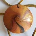 Őszi derű medál, Ékszer, Medál, Nyaklánc, Fekete, fehér, vörösréz és arany FIMO ékszergyurmából (valamint kevés bronzpigmentből) készítettem e..., Meska
