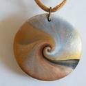 Aranykorong medál, Ékszer, Medál, Nyaklánc, Arany, fekete és fehér FIMO ékszergyurmából (+ kevés pigmentporból) készítettem ezt a lencse alakú, ..., Meska
