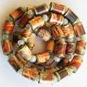 Őszi alkony nyaklánc, Ékszer, Nyaklánc, A nyaklánc hengeres gyöngyeit újrahasznosított papírokból (reklámanyagok, prospektusok) készítettem...., Meska