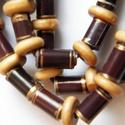 Késő ősz nyaklánc újrahasznosított papírból, Ékszer, Nyaklánc, A nyaklánc hengeres gyöngyei újrahasznosított papírokból (reklámanyagok, prospektusok) készültek.  A..., Meska
