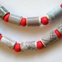 Ködös reggel nyaklánc újrahasznosított papírból, Ékszer, Nyaklánc, A nyaklánc hengeres gyöngyei újrahasznosított papírokból (reklámanyagok, prospektusok) készültek.  A..., Meska