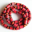 Hódítás nyaklánc újrahasznosított papírból, Ékszer, Nyaklánc, A nyaklánc hengeres gyöngyei újrahasznosított papírokból (reklámanyagok, prospektusok) készültek.  A..., Meska