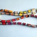 Tavaszi színek nyaklánc újrahasznosított papírból, Ékszer, Nyaklánc, A nyaklánc hengeres gyöngyei újrahasznosított papírokból (reklámanyagok, prospektusok) készültek.  A..., Meska