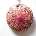 Virágeső medál, Ékszer, Medál, Nyaklánc, Fehér, napsárga és bordó FIMO ékszergyurmából készítettem ezt a lencse alakú, mindkét old..., Meska