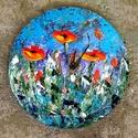 """"""" Virágos, kék eges táj - falióra """", Képzőművészet, Otthon, lakberendezés, Festmény, Falióra, óra,  26 cm-es falapra készült saját ötletű kézi tájkép festés, akril festékkel, gesso alapozással, lakk ..., Meska"""
