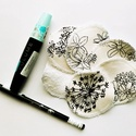 Mosható kozmetikai korong, fekete-fehér virágos, Ezekkel a mosható kozmetikai korongokkal lemoshat...