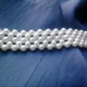 Fehér tekla karkötő, Ékszer, Karkötő, Fehér tekla és porcelánszínű kásagyöngyökből készült ez a RAW karkötő.  A gyöngyök 4m..., Meska