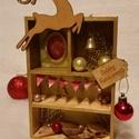 Karácsonyi dobozka arannyal, Dekoráció, Karácsonyi, adventi apróságok, Ünnepi dekoráció, Karácsonyi dekoráció, Mindenmás, Ha nincs ötleted Karácsonyra ;)  Az alap egyszerű kis fadobozka, felturbózva arany és piros színvil..., Meska