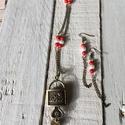 AJÁNDÉK POSTA! Szerelemlakat - ékszer óra fülivel, vörös korall féldrágakövekkel, Ékszer, óra, Karóra, óra, Nyaklánc, Fülbevaló, Örökre a szívembe zártalak.   Lakat formájú réz ékszer óra, melyből a hozzá illő kulcs i..., Meska