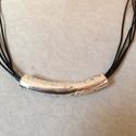 ! Unisex fekete bőr lánc kerámia csővel, Ékszer, Férfiaknak, Karkötő, Ékszerkészítés, Végre a férfiaknak is kedvezünk! :o)  4db 1mm-es fekete, valódi bőrből készült nyaklánc ezüst színű..., Meska