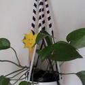 Makramé virágtartó csíkos, Otthon, lakberendezés, Dekoráció, Kaspó, virágtartó, váza, korsó, cserép, Dísz, Csomózás, Makramé csomózással készítettem ezt az egyedi fehér-barna csíkos virágtartót. Anyaga: fa karika, pa..., Meska