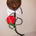 Mr Coffe, Dekoráció, Otthon, lakberendezés, Dísz, Mindenmás, Elegáns úriember rózsával a kezében.Porcelán kaspóban,hungarocellel kitöltve,ebben egy drót van elh..., Meska