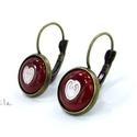 Tűzzománc fülbevaló - szíves piros-fehér, Ékszer, óra, Ékszerszett, Fülbevaló, Ékszerkészítés, Tűzzománc, A rekeszzománc technikájával készítettem ezt a transzparens piros színű francia kapcsos fülbevalót,..., Meska