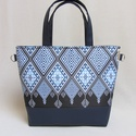 Base-bag 21 nagy női táska, Táska, Válltáska, oldaltáska, Varrás, Kék-fehér etno stílusú mintát választottam ehhez a táskához. A kisebb minták, mint az apró rojtok l..., Meska