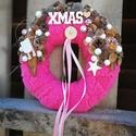 Magenta karácsonyi dekoráció, Otthon, lakberendezés, Dekoráció, Ajtódísz, kopogtató, Dísz, Virágkötés, Készítettem egy  különleges magenta színben pompázó egyedi karácsonyi dekorációt. Alap: 20 cm szalm..., Meska