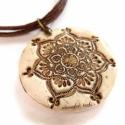 Mandala medál, csont-hatású süthető gyurma nyaklánc, Lótuszvirág mandala medál, süthető gyurmábó...