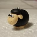 Fekete bárány kulcstartó, Fekete bábárny kulcstartó süthető gyurmából