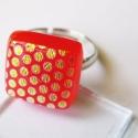 Narancsos-piros DeCuki gyűrű, Ékszer, óra, Gyűrű, Pöttyös narancsos-piros üveg felhasználásával készült cuki gyűrű állítható alapon. Mér..., Meska