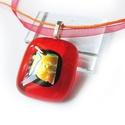 Piros arannyal üvegmedál, Ékszer, óra, Medál, Nyaklánc, Ékszerkészítés, Üvegművészet, Egyszerű, mégis látványos áttetsző piros üvegékszer medál. Mérete:2,2 x 2,5 cm. Kérés szerint bizsu..., Meska
