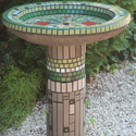 Zöldbeolvadó kerti madáritató-fürdető, Otthon, lakberendezés, Dekoráció, Kerti dísz, Mozaik, Saját ötlet és kísérletek alapján készült, egyedi, öntött beton tál,  üvegmozaikkal mozaikozva egy ..., Meska
