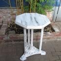 Vintage faragott asztal, Bútor, Asztal, Vintage asztal nyolcszögletű lappal, különleges, faragott díszes, oszlopos mint a Pantheon :-) ..., Meska