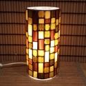 Üvegmozaik lámpa - barna, Képzőművészet, Otthon, lakberendezés, Lámpa, Asztali lámpa, Mozaik, Mindenmás, Üvegmozaik asztali lámpa  Henger alakú lámpatestre készült a motívum  kézzel vágott spektrum üvegek..., Meska