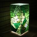 Üvegmozaik lámpa - zöld szögletes, Képzőművészet, Otthon, lakberendezés, Lámpa, Asztali lámpa, Mozaik, Mindenmás, Üvegmozaik asztali lámpa  Henger alakú lámpatestre készült a motívum  kézzel vágott spektrum üvegek..., Meska