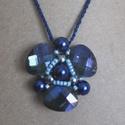 """Kék """"propeller"""" medál, Ékszer, Medál, Nyaklánc, Három csiszolt sötétkék üveg medál gyöngyökkel középen összefogva. Propellerre emlékeztető mintázato..., Meska"""