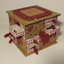 Szivecskés drapp-piros adventi naptár, Gyufásdobozból készült adventi naptár. Mind a...