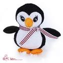 Pingvin, Játék, Baba-mama-gyerek, Játékfigura, Plüssállat, rongyjáték, Varrás, Ezt az aranyos kis pingvint  jó minőségű filcből készítettem, apró kézi öltéssel. Szárnyai, lábai k..., Meska
