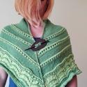 Kétféle zöld  kötött kendö, Ruha, divat, cipő, Női ruha, Poncsó, Kötés, Minden évszakban használható, kellemes színű  kendőt kötöttem. 140 cm hosszú és70 cm széles.  Akril..., Meska