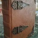 Régi veretes könyv, Naptár, képeslap, album, Jegyzetfüzet, napló, Kézműves könyvkötéssel készült, veretes könyv. 11 cm X 15 cm 300 db pasztell színű sima la..., Meska