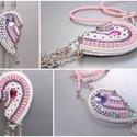 Kettétört szív -gyöngy hímzett nyaklánc, Ékszer, óra, Képzőművészet, Nyaklánc, Nőies, csajos nyakláncot készítettem. A különlegessége, hogy mind a két fele hordható, és különböző ..., Meska