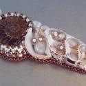 A tenger gyümölcse --- gyöngy hímzett nyaklánc, Ezt a nyakláncot a tenger kincseiből készített...