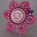 Virágom 2 - gyöngy hímzett gyűrű, Ékszer, óra, Képzőművészet, Nyaklánc, Elegáns, divatos gyűrűt készítettem ,amelynek a közepe egy kézzel festett cseh üveg gomb.  Ebből csa..., Meska