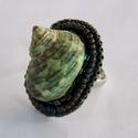 Seashell  zöld - gyöngyhímzett gyűrű, Ékszer, óra, Képzőművészet, Gyűrű, Ha már nem elég , hogy szép. Akkor kell valami extravagáns.  Csak azoknak, akik a különlegességekre ..., Meska