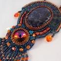 Sodalit-gyöngy hímzett nyaklánc, Egy csodaszép sodalit  féldrága kővel és egy ...