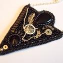 Steampunk -gyöngy hímzett nyaklánc, Ékszer, Képzőművészet, Nyaklánc, Különleges ez a stílus. Most fekete -ezüst kombinációban készítettem. Fekete onix kővel, antikolt fé..., Meska