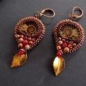 Galagonya - gyöngy hímzett fülbevaló, Ammonite csiga fossziliákkal  készült őszi han...