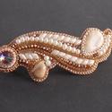 Karamell - Gyöngy hímzett hajcsat , Egy teljesen új formát készítettem , pink opá...