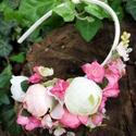 Rózsaszín árnyalatok ölelésében, Baba-mama-gyerek, Esküvő, Hajdísz, ruhadísz, Virágkötés, Az angol rózsa megannyi árnyalata ihlette ezt a gazdagon díszített menyasszonyi hajpántot. Nemcsak ..., Meska