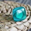 Áttetsző zöld üveg gyűrű, Ékszer, Ruha, divat, cipő, Gyűrű, Ékszerkészítés, Üvegművészet, Áttetsző, enyhén mintás zöld színű üvegből készült a gyűrű. Fusing technikával, kemencében olvaszto..., Meska